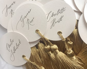 Round place cards / Calligraphy place cards / luxury