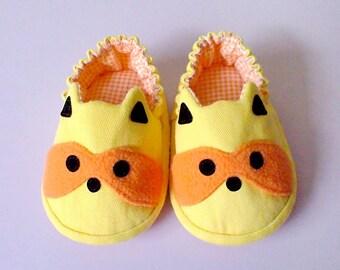 Elastic Baby Booties, Raccoon Baby Shoes, Lemon Yellow Baby Shoes, Fabric Baby Shoes, Prewalker Booties, Newborn Infant Booties, Raccoon 06