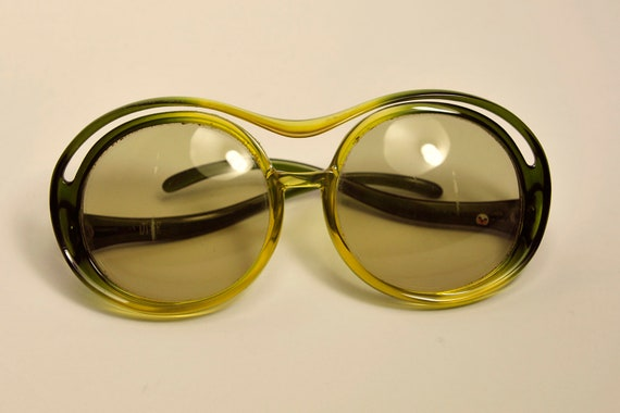MISS DIOR early 1970's over size sunglasses