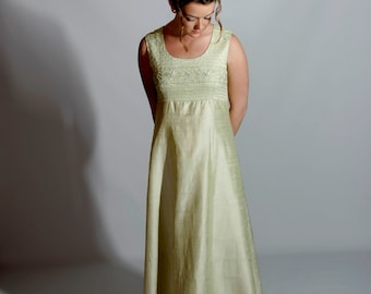 """Mint Green Vintage Gown, """"Hong Kong Couture"""" M, 1970s"""