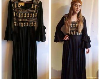 Stunning vintage 60s Berkertex black & gold dress with flare sleeves