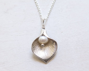 Calla Lily Necklace, Gift for Her, Anniversary Gift, Mother's Day Gift, Calla Lily Jewelry, Freshwater Pearl, Sterling Silver Chain
