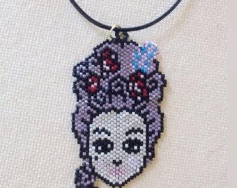 """Χειροποίητο, κεντημένο με χάντρες με μέθοδο peyote, κρεμαστό κολιέ """"Μαρία Αντουανέττα"""" / Handmade beaded peyote stitch necklace, pendant"""