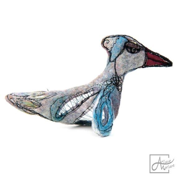 Cute felted fiber art bird sculpture - Sculptural animal art - Felt Bird sculpture - Sculptural felt art work - Collectible art from Paris
