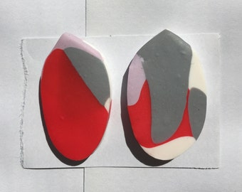 Medium red, grey, lilac and cream earrings.