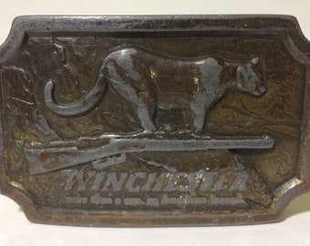1976 Winchester Worn Indiana Metal Craft x R 82 Belt Buckle Rifle Cougar Mountain Scene