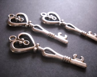 Bulk Skeleton Keys Silver Keys Wholesale Keys Heart Keys Heart Top Keys Key Pendants Bulk Keys Wedding Keys 150 pieces