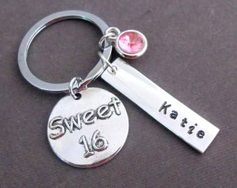 """Personalisierte Sweet 16 Schlüsselanhänger """","""" Sweet 16 Geschenk """","""" Sweet 16 Schmuck """","""" Geburtstag Geschenk für sie, Tochter/Enkelin süße 16 Geschenk, kostenlos Versand USA"""