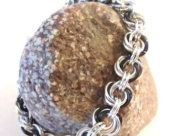 Mobius Chainmaille Bracelet - Mobius Flower Silver and Black - Goth Style Bracelet - Chainmail Bracelet - Chainmaille - Black and Silver