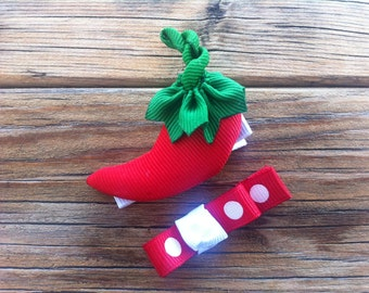 Red Hot Chili Pepper...  Ribbon Sculpture Set