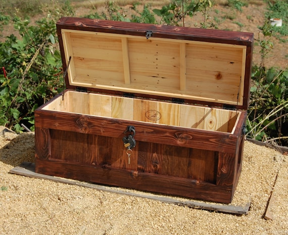 Chest With Lock/ Hope Chest/ Wooden Trunk/ Coffee Table/