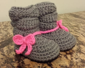 Mia Slouch Style Baby Booties