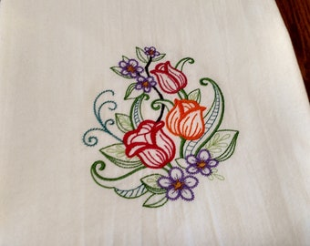 Tulips embroidered tea towel, flour sack towel, dish towel, kitchen towel, floral towel, spring kitchen decor, gift, machine embroidery
