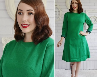 Vintage 1960s Green Wool Long-Sleeve Dress with A-Line Skirt Size Medium
