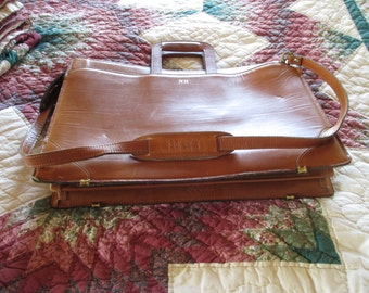 Leather Brief Case - PRICE SLASHED to 85.00! Attaché Case - Schelsinger Since 1919 - In Very Good Condition