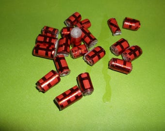 Shiny red barrel paper beads