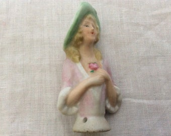 A sweet Vintage Pin Doll