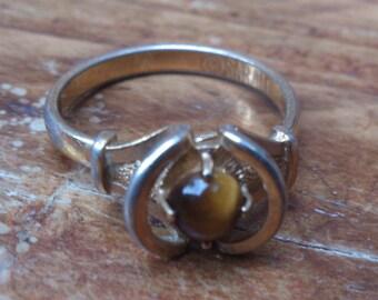 vintage Sarah Coventry tigers eye gemstone ring
