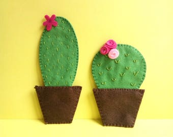 Cactus felt magnets, set of 2, cute refrigerator magnets, handsewn, Mother's day gift, housewarming gift, kitchen decoration