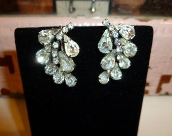 Lovely Vintage Clear Rhinestone Clip On Earrings 1950's