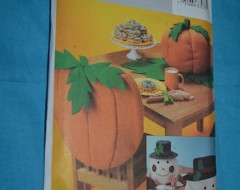 Butterick 3988 Tabletop for Fall and Christmas Sewing Pattern - UNCUT