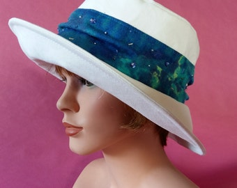 Sun Hat   Summer Hat  Beach Hat for Leisure, Garden -Aquamarine - with sparkling Pearls and Paillettes Gr 57/58 cm ; ca 22.5inch