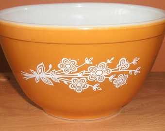 Vintage Pyrex Butterfly Gold Mixing Bowl 401 750 ml 1.5 Pint 1979 Redesign Pattern #2 EUC