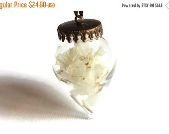 ON SALE Glass orb pendant - Terrarium pendant - Glass vial necklace - Dried flowers pendant - Glass orb necklace - Real dry flower necklace