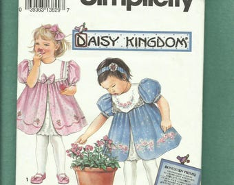 Simplicity 8316 Daisy Kingdom Dress Pattern for Baby Girls and Toddlers Sew Cute Sizes 2..3..4 UNCUT
