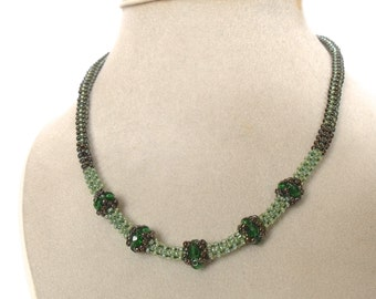 Green beaded necklace | green jewelry | emerald green necklace | woven beaded glass necklace