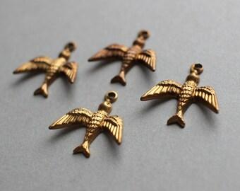 Oxidized Brass Bird In Flight Charms (4)