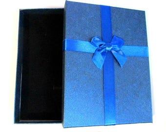 1 box cardboard 16x12cm dark blue color jewelry