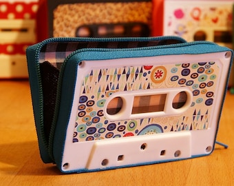 Purses made by  cassette tape