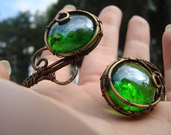 Unique Cuff Bracelet, Vintage Style, Handmade antique Brass Wire Wrapped Green glass cabochon, Gift for women