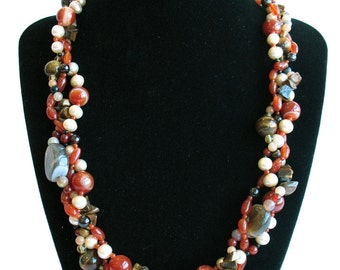 Moka Caramello, semiprecious stones necklace