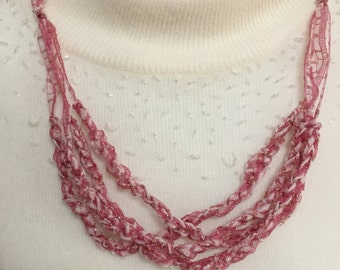 Chain Crochet Necklace in Red & White with a bit of Gold -  length is adjustable