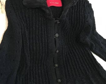 Black sweater by Eva and Claudi