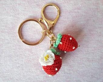 Keychain Amigurumi red strawberries Alluncinetto with beads | Keychain Gift for her | Crochet Artwork | Fruit Amigurumi