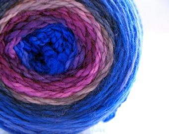 Yarn, handdyed, 100% SW Bfl colour Moody Blue, selfstriping