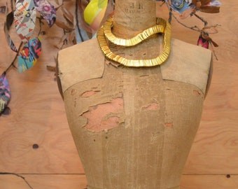 Vintage Snake Chain Dramatic Triangular Avant Garde Ethnic African Style Necklace Gold Tone