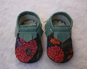 Faux leather baby shoes, toddler baby shoes, faux leather shoes, leather moccasins