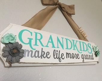 Grandkids make life grand | grandma gift| gift for mom |Grandkids sign| Grandparent gift | grandmother gift | grandma frame