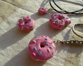 1 Donut pendant with sprinkles