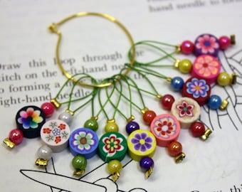 10 Knitting stitch markers round flowers