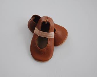 ballet flats / soft soled shoes / baby moccasin moccs / saddle brown