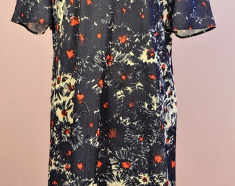 Mothers day gift 1960's Mod dress with peter pan collar red, white and blue floral style pattern