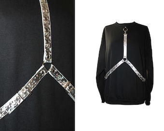 Sweatshirt with removable harness in holographic leather