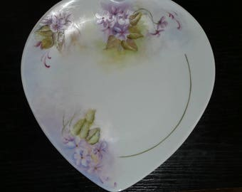 Hand painted porcelain heart plate: purple pattern