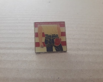 """Bruce Springsteen """"Born In The Usa"""" 1984 Vintage Pin Rock n Roll Madonna U2 Kiss Prince Bowie"""