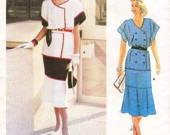Sz  12 - Vogue Pattern 1552 - Vintage Misses' Double-Breasted, Loose fitting Top, Side Front Pockets, partially lined Skirt - Chloe' Design